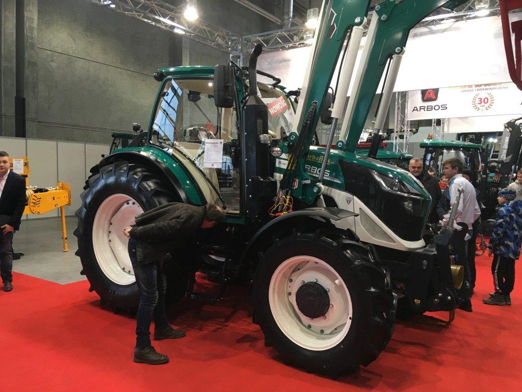 "Traktor marki Arbos - Mascus na targach Agro Show 2019"""