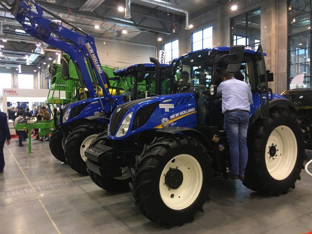 "Traktor marki New Holland - Mascus na targach Agro Show 2019"""