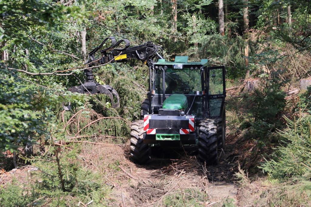 Skidery i forwardery – maszyny leśne niezbędne do zrywki drewna - wpis na blogu Mascus Polska
